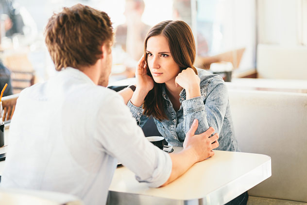 man telling woman about premature ejaculation